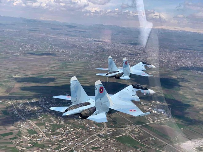 Armenia tung tiêm kích Su-30SM, chiến sự ác liệt với Azerbaijan có bước ngoặt lớn - Iran bắt đầu phản công Mỹ - Ảnh 1.