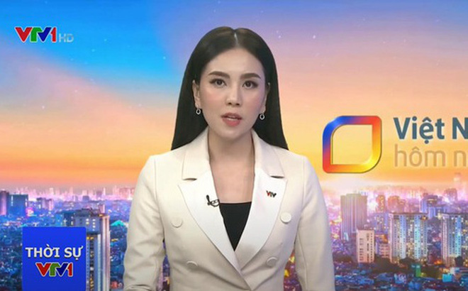 Mai Ngọc gặp tình huống éo le khi lên sóng trực tiếp, cách xử lý bình tĩnh của nữ MC khiến nhiều người nể phục