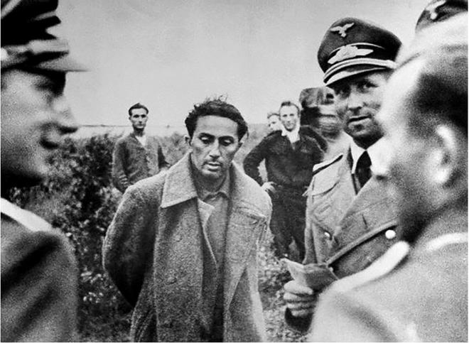 Cuộc trao đổi không mặc cả đem Thống chế lấy 1 binh sĩ: Lý do Stalin không cứu con mình? - Ảnh 3.