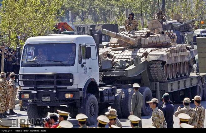 Chiến sự Armenia-Azerbaijan: Iran khẩn cấp triển khai một loạt xe tăng T-72 tới biên giới - Ảnh 1.