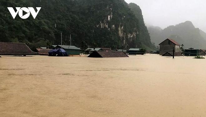 Nhà phao tránh lũ an toàn của người dân miền núi Quảng Bình - ảnh 2