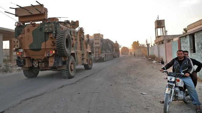 Lo sợ thành con tin ở Idlib, Thổ Nhĩ Kỳ vờ bỏ chạy để phản công Nga? - ảnh 1