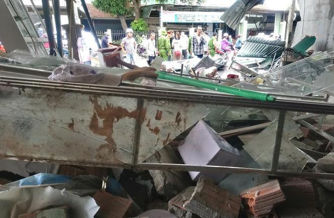 Vụ tai nạn ô tô lao vào 4 nhà dân làm 3 người chết, 3 người bị thương:  Tài xế xe tải trình diện công an - Ảnh 10.