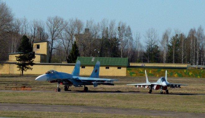 Azerbaijan tung không quân vào trận, màn đáp trả cực nguy hiểm nhằm vào Su-30SM Armenia? - Ảnh 1.