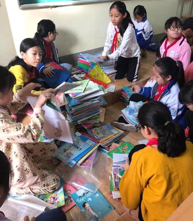 Lũ đi qua, hàng loạt học sinh ở Hà Tĩnh thiếu sách vở đến trường - Ảnh 10.