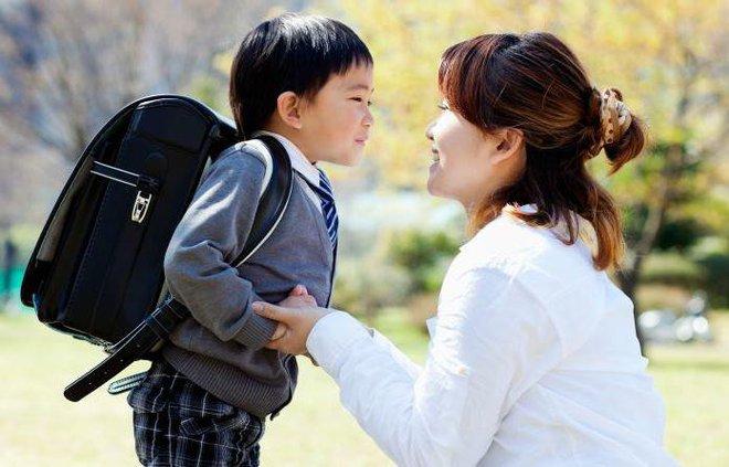 3 hành vi cho thấy con trẻ đang cầu cứu cha mẹ, các bậc phụ huynh đừng nhầm lẫn cho rằng con mình có EQ cao - Ảnh 1.