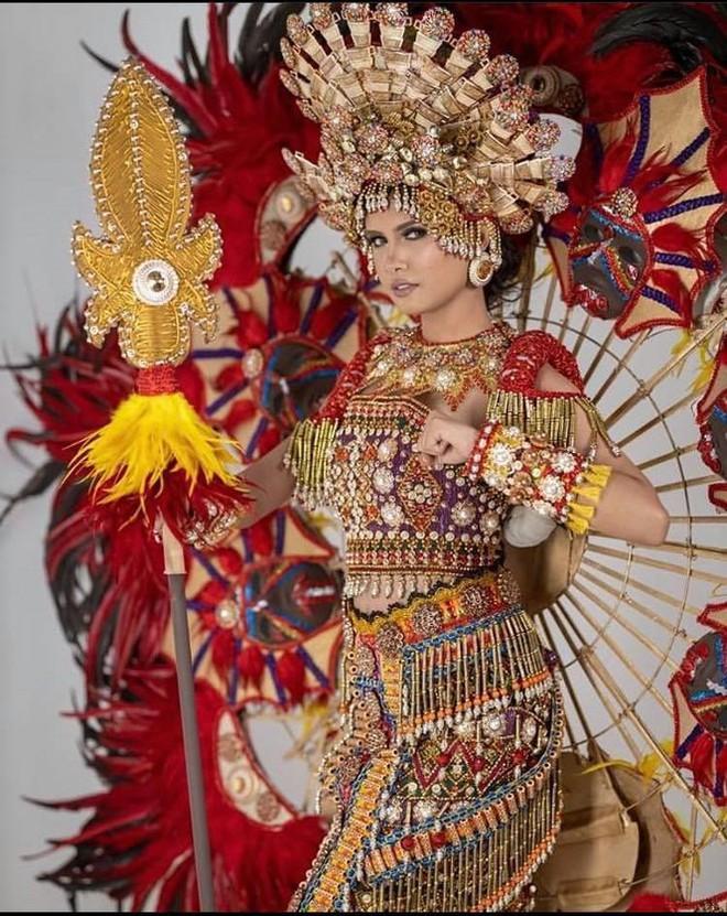 Nhan sắc ngọt ngào, quyến rũ của người đẹp lai đăng quang Hoa hậu Hoàn vũ Philippines - Ảnh 3.