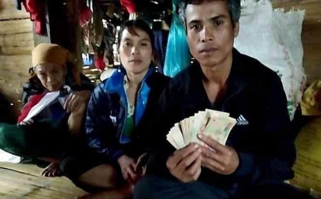 Tìm chủ nhân 10 triệu trong gói quần áo từ thiện: Hàng cứu trợ đến từ một đoàn ở Hà Nội
