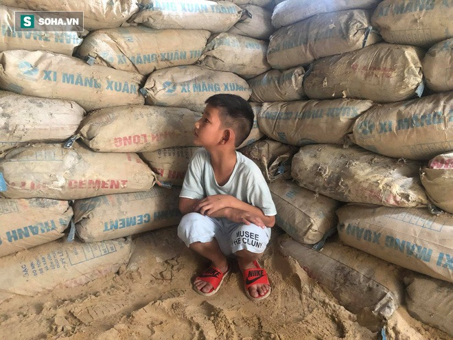 Căn hầm tránh bão số 9 độc lạ, nằm sâu dưới lòng cát của người dân vùng biển Quảng Nam - Ảnh 9.