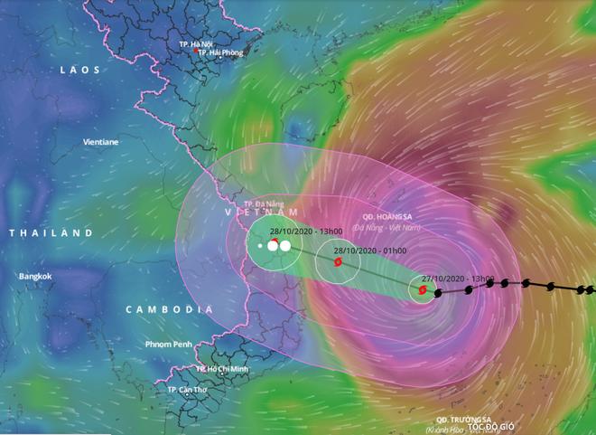 Tối nay bão số 9 sẽ đạt cường độ cực đại, sau đó đổ bộ vào khu vực Quảng Ngãi-Bình Định sáng 28/10 - Ảnh 1.