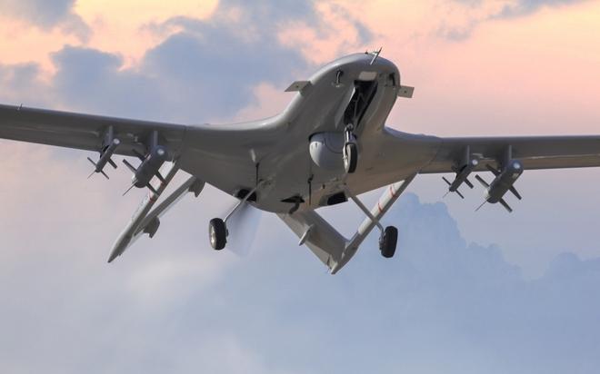 Cận cảnh UAV sát thủ Bayraktar TB2 do Thổ Nhĩ Kỳ sản xuất và được sử dụng ở Karabakh - Ảnh 1.