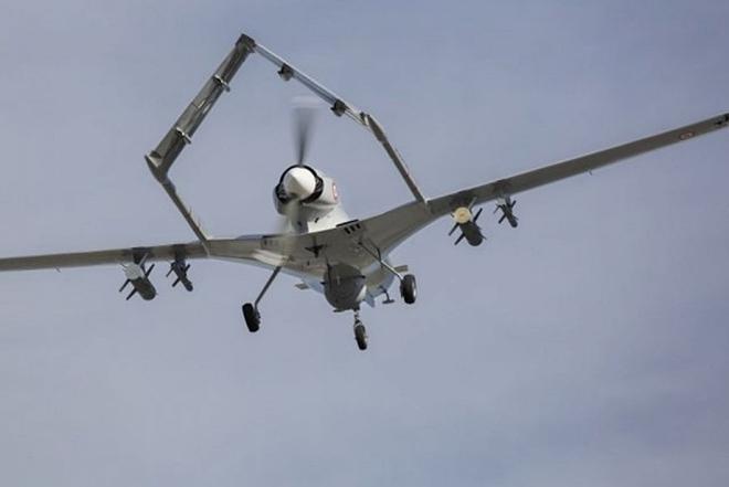 Cận cảnh UAV sát thủ Bayraktar TB2 do Thổ Nhĩ Kỳ sản xuất và được sử dụng ở Karabakh - Ảnh 5.