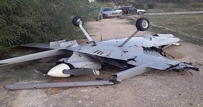 Cận cảnh UAV sát thủ Bayraktar TB2 do Thổ Nhĩ Kỳ sản xuất và được sử dụng ở Karabakh - Ảnh 9.