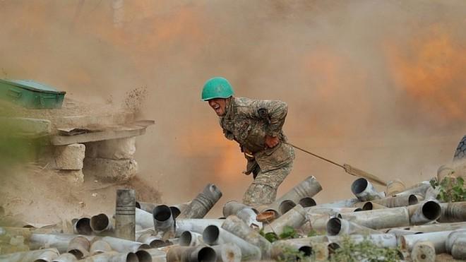 Chĩa súng trên 3 mặt trận: Nga cạn tình cạn nghĩa với Thổ Nhĩ Kỳ? - Ảnh 2.