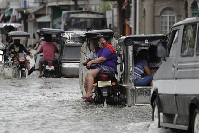Bão Molave gây thiệt hại diện rộng tại Philippines - ảnh 8