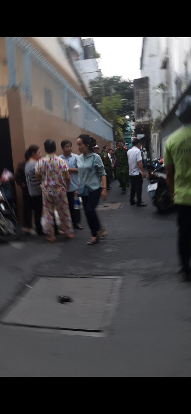 Thanh niên 32 tuổi sát hại người phụ nữ 66 tuổi ở Sài Gòn rồi phóng hỏa đốt nhà khai để cướp tài sản - Ảnh 1.