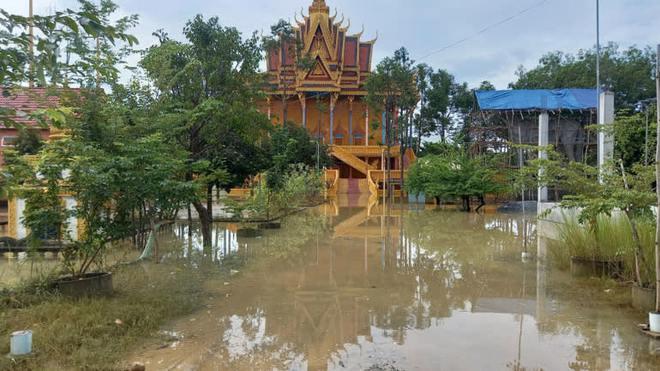 Thủ tướng Hun Sen nêu nguyên nhân lũ lụt lịch sử, chuyên gia nhắc nỗi sợ lớn nhất Campuchia - Ảnh 1.