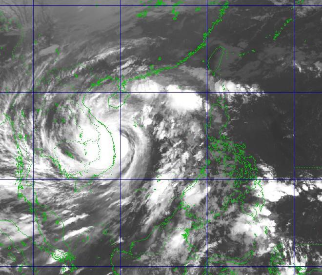 Bão Molave khả năng là cơn bão mạnh nhất, nguy hiểm nhất đổ bộ Việt Nam: Những con số xót xa - Ảnh 1.