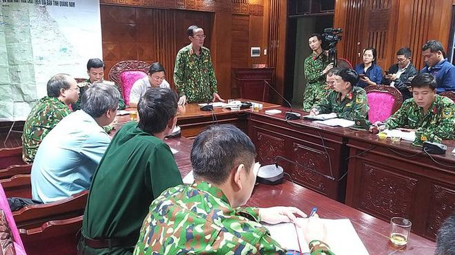 ẢNH HƯỞNG BÃO SỐ 9: Sạt lở kinh hoàng ở Nam Trà My - Quảng Nam, hơn 50 người mất tích, đã tìm thấy 7 thi thể - Ảnh 2.