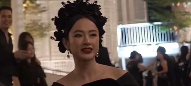 Bị hỏi về chuyện quyên góp giúp đồng bào miền Trung, Angela Phương Trinh đáp trả bất ngờ - Ảnh 3.