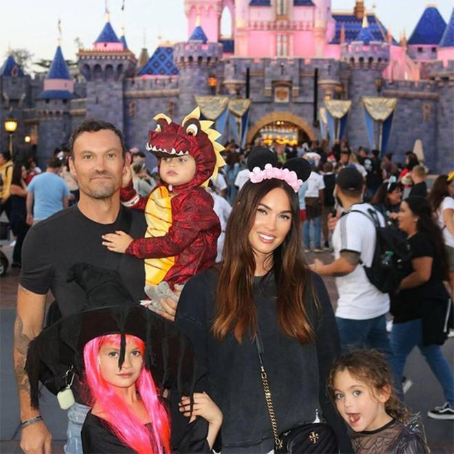 Biểu tượng bốc lửa thế kỷ 21 Megan Fox: Sự nghiệp tuột dốc, 16 năm hôn nhân thăng trầm - Ảnh 12.