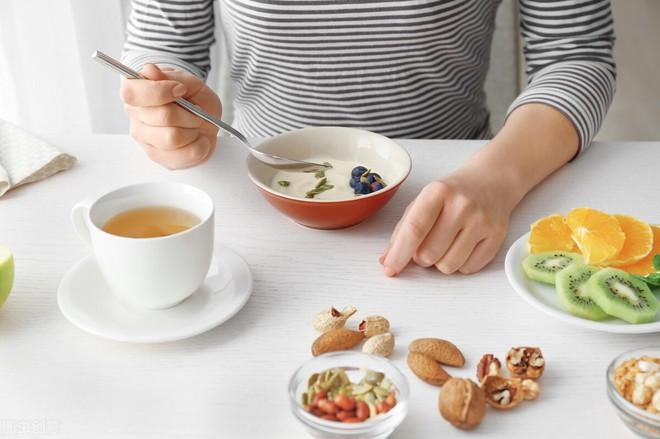 4 lời khuyên đáng giá để giảm cân: Cơ thể bạn sẽ tự gầy đi mà không cần nhịn ăn vất vả - Ảnh 6.