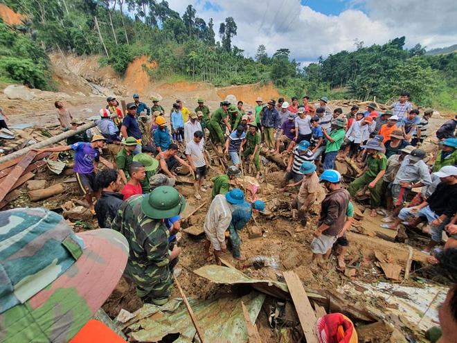 Thủ tướng Nguyễn Xuân Phúc: Tiền hỗ trợ bão lũ phải đến tận tay người dân - Ảnh 2.