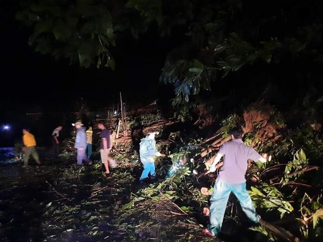 SẠT LỞ Ở QUẢNG NAM: Đã tìm thấy 11 thi thể, còn khoảng 40 người mất tích, tiếp cận hiện trường khó khăn - Ảnh 1.