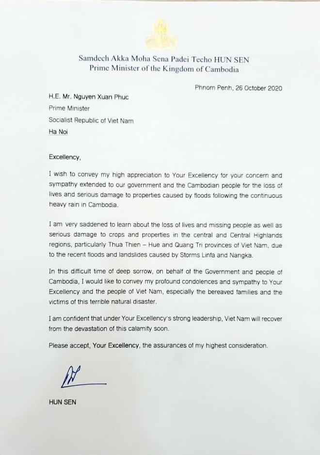 Ông Hun Sen cảm ơn Thủ tướng Nguyễn Xuân Phúc, bày tỏ đau buồn về thiệt hại do bão lũ ở miền Trung - Ảnh 1.
