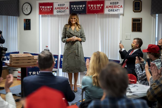 Một ngày bận rộn của gia đình TT Trump: Đệ nhất phu nhân và ái nữ ra sức vận động cử tri - Ảnh 8.