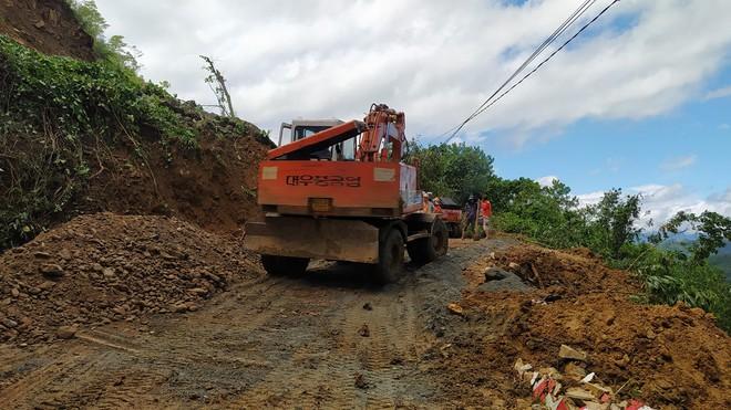 SẠT LỞ Ở QUẢNG NAM: Hiện nay đã tìm thấy 16 thi thể; Cả gia đình Bí thư xã Trà Leng đang mất liên lạc - Ảnh 5.