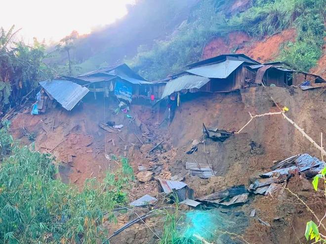 NÓNG: Lại thêm vụ sạt lở đất ở Quảng Nam khiến 11 người mất tích, đã tìm thấy 3 thi thể - Ảnh 2.