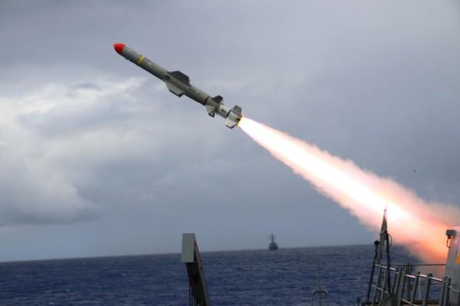 Mỹ bán vũ khí xịn cho Đài Loan: Báo Trung Quốc tung cảnh báo sắc lạnh về kịch bản chiến tranh - Ảnh 1.