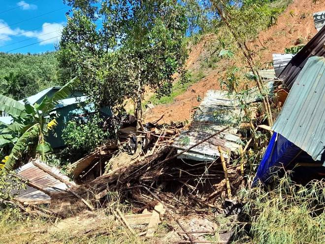 SẠT LỞ Ở QUẢNG NAM: Tìm thấy thêm 2 thi thể ở Phước Sơn; 13 người hiện đang còn mất tích ở Trà Leng - Ảnh 4.