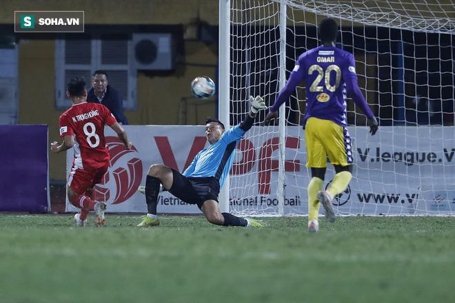 Quan hệ nhạy cảm với Quảng Ninh, Hà Nội FC vẫn sáng cửa vô địch - Ảnh 3.