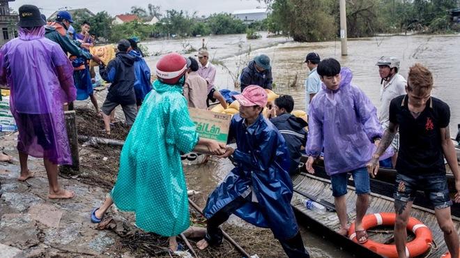 Báo nước ngoài viết về bão số 9 ở Việt Nam: Quốc gia kiên cường - ảnh 2