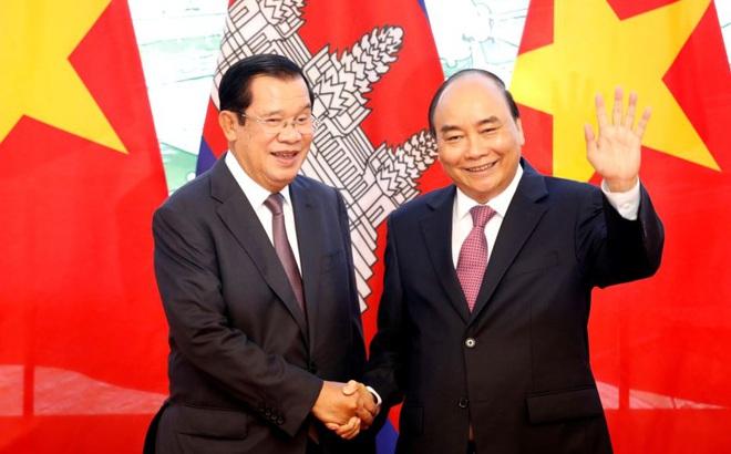 Ông Hun Sen cảm ơn Thủ tướng Nguyễn Xuân Phúc, bày tỏ đau buồn về thiệt hại do bão lũ ở miền Trung