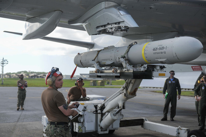 P-8A Poseidon Mỹ mang tên lửa Harpoon thách thức Trung Quốc: Bất thường hay bình thường? - Ảnh 2.