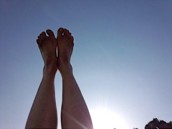 Danh y tiết lộ: Phơi 3 phần cơ thể dưới ánh nắng có thể bổ dương, giảm bệnh, tăng tuổi thọ - Ảnh 1.