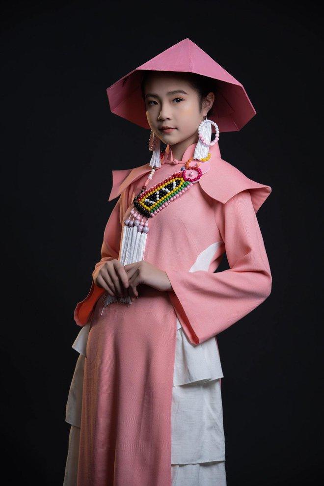 Mẫu nhí Phan Trang Anh xinh đẹp, cá tính - Ảnh 2.