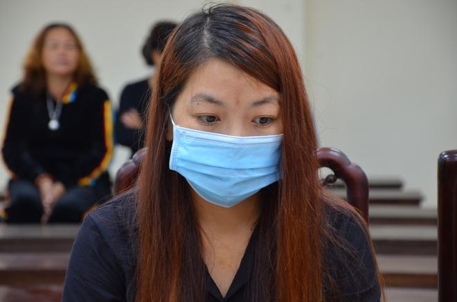 Xử vụ bắt cóc bé 2 tuổi ở Bắc Ninh: Bạn trai bị cáo có mặt tại toà, xin gia đình bị hại thông cảm - Ảnh 4.