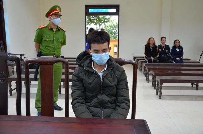 Xử vụ bắt cóc bé 2 tuổi ở Bắc Ninh: Bạn trai bị cáo có mặt tại toà, xin gia đình bị hại thông cảm - Ảnh 7.