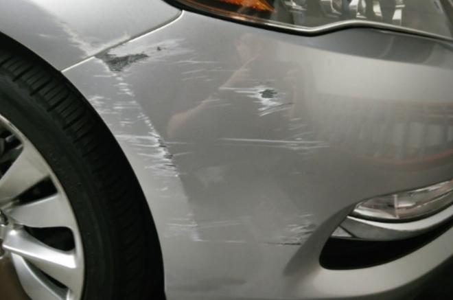 Mẹo xử lý vết trầy xước đơn giản tại nhà cho xe ôtô - Ảnh 1.