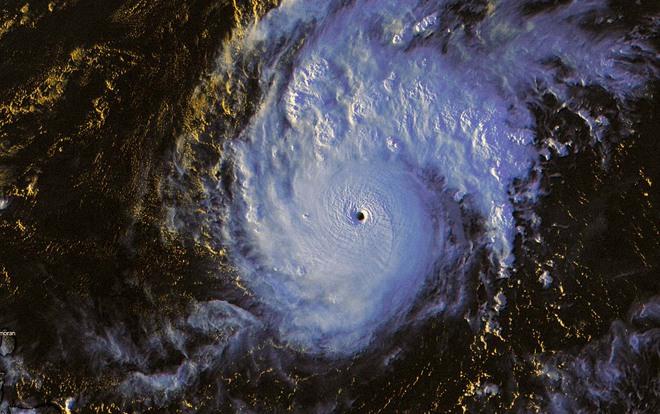 Siêu bão Goni bứt tốc thành cơn bão mạnh nhất Trái Đất 2020: Đang hướng về Philippines và nước nào tiếp theo? - Ảnh 1.