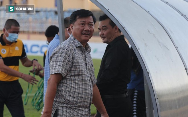 """Chủ tịch CLB Quảng Nam: """"Chúng tôi không có tiền để mà thưởng cho SLNA"""""""