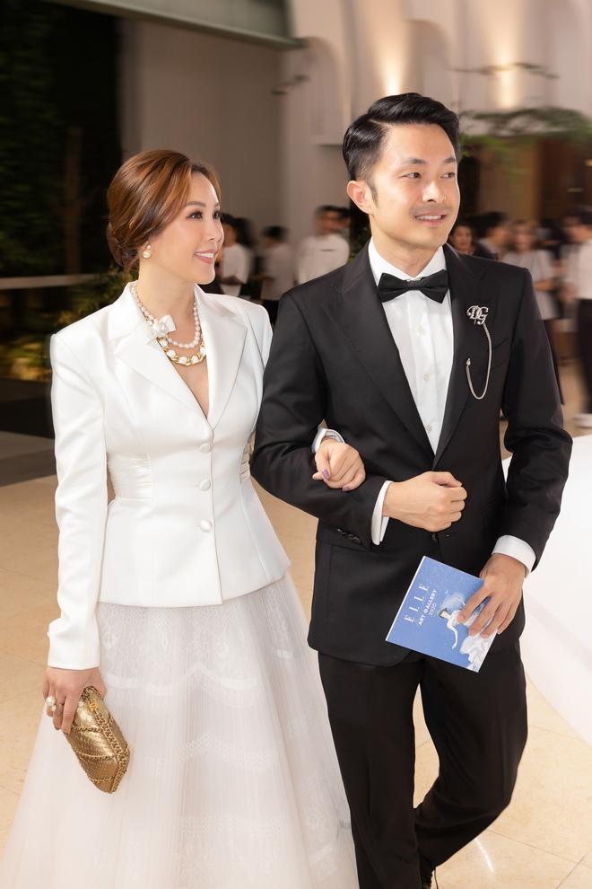 Hoa hậu Thu Hoài bối rối khi bị nhiều người giục cưới sớm - Ảnh 2.