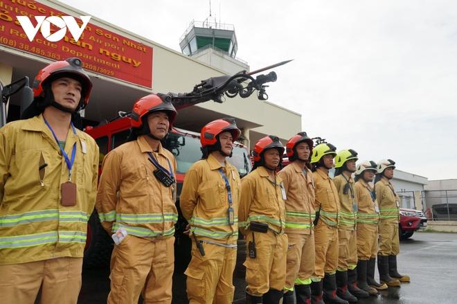 Cận cảnh dàn xe đặc chủng triệu đô tại phi trường Tân Sơn Nhất  - Ảnh 13.