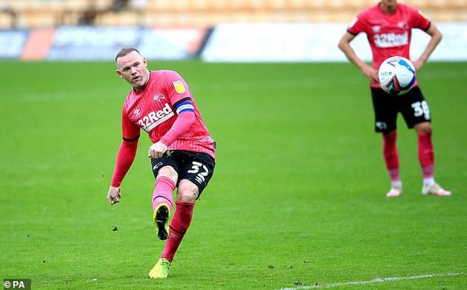 Lập siêu phẩm đá phạt, Rooney giúp đội nhà tạm thoát khỏi vùng nguy hiểm