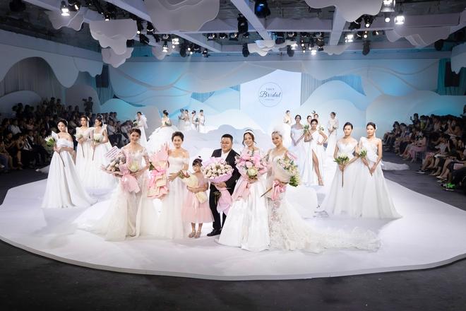 Ngọc Lan xinh đẹp rạng rỡ khi hóa thân cô dâu bầu trình diễn váy cưới  - Ảnh 6.