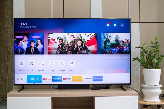 """5 chiếc tivi 8K màn hình """"khủng"""" hạ giá 50% rẻ nhất thị trường, có chiếc ngang dòng 4K - Ảnh 2."""